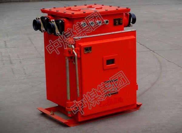 电磁起动器的种类型号很多,山东中煤为你介绍一款集团畅销产品QCX5系列电磁起动器 QCX5系列电磁起动器(以下简称起动器),主要用于交流50Hz或60Hz,额定工作电压至660V,功率至22KW的三相鼠笼异步电动机的起动,持续运行,对电动机及其电路的过载运行进行保护,以及人为的分断电动机的电源电路之用。 本起动器和MS-K具有相同功能可等同互换使用,是QC10等老产品理想的更新换代产品。